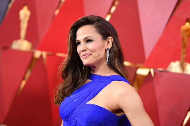 Забыла выключить утюг? Реакция Дженнифер Гарнер на«Оскар-2018» стала мемом