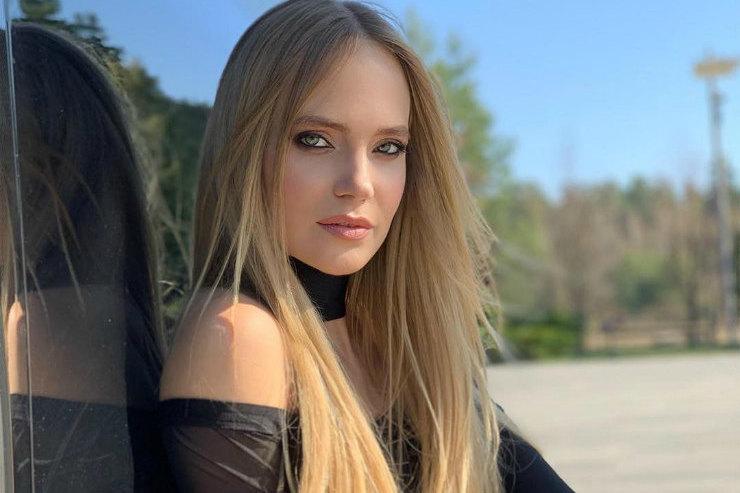 Наталья Ионова посоветовала девушкам рисковать икрасить губы вкрасный