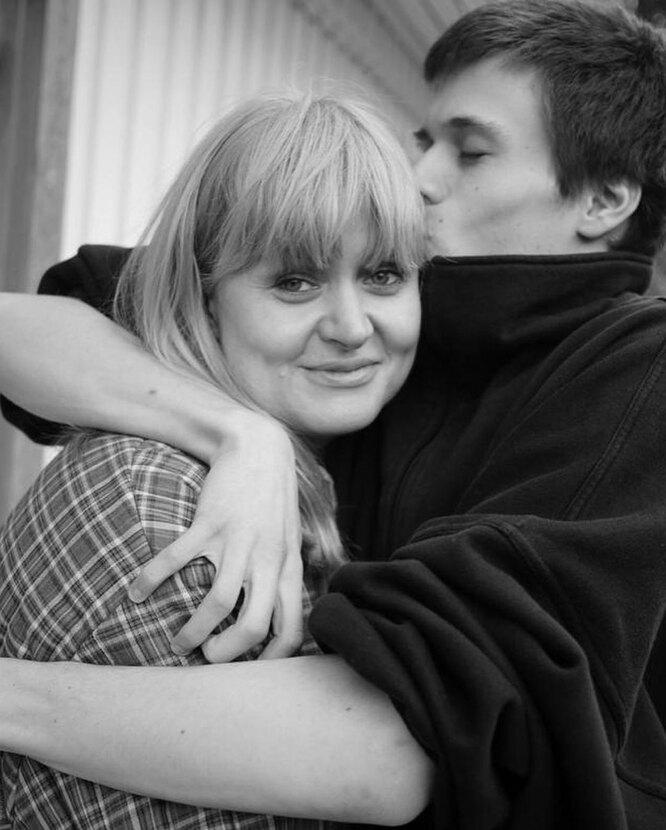 Анна Михалкова с сыном Андреем