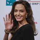 Роскошная Энджи вернулась! Анджелина Джоли поразила всех образом напремьере нового фильма