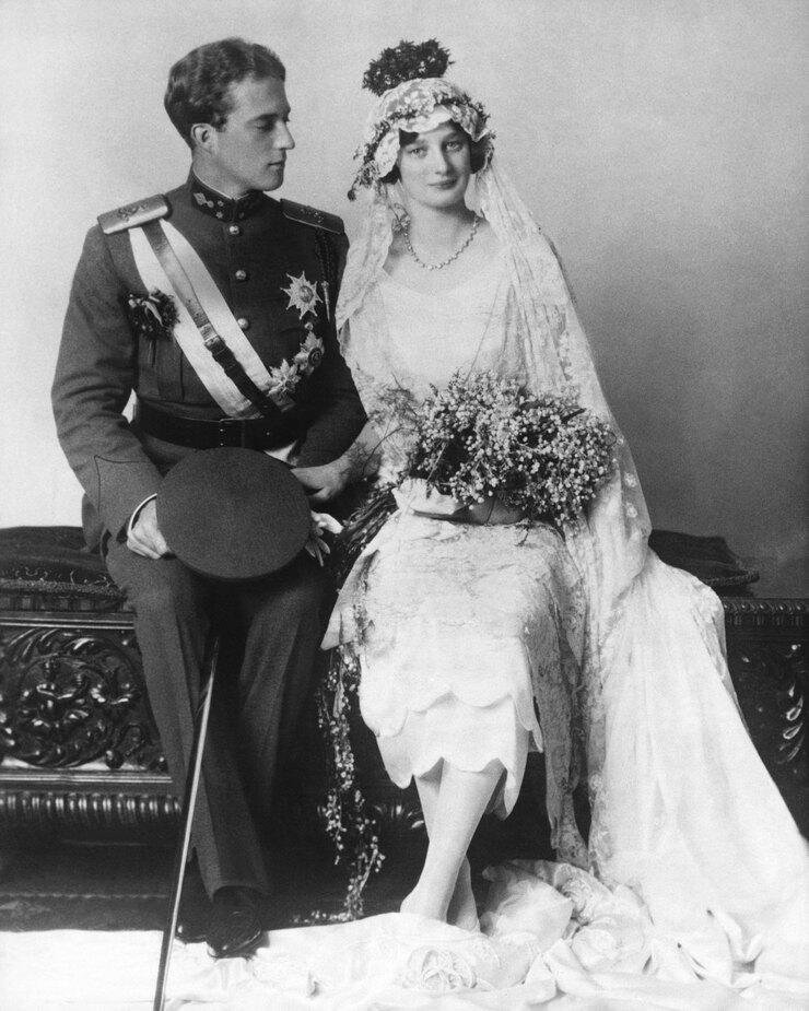 Королева  Астрид иКороль Леопольд вдень их свадьбы