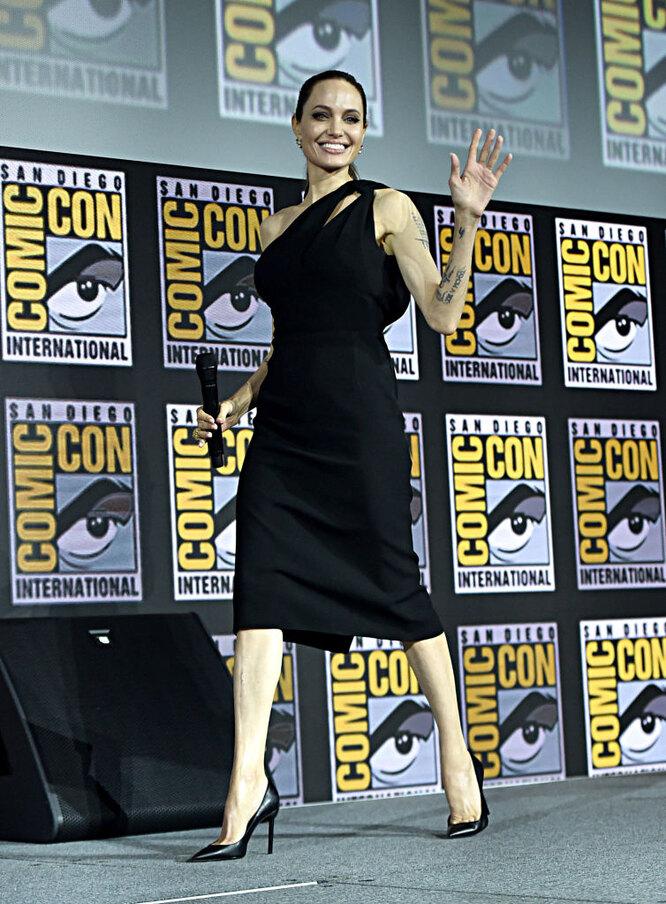 Анджелина Джоли на фестивале