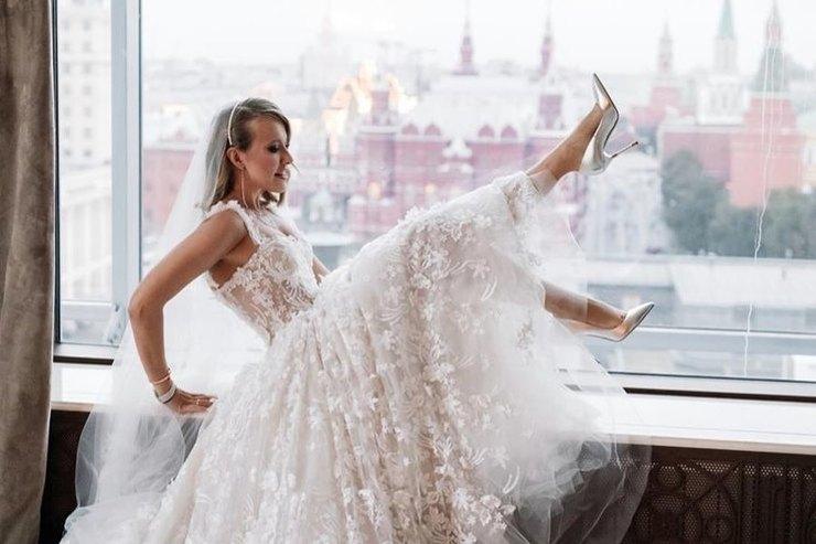 На Ксению Собчак написали заявление вГенпрокуратуру из-за ее эротического танца