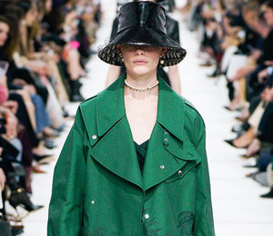 Еще больше феминизма напоказе Dior осень-зима 2019