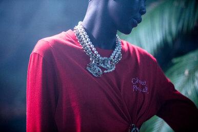 Скорее смотрите коллаборацию Chanel иФаррелла Уильямса