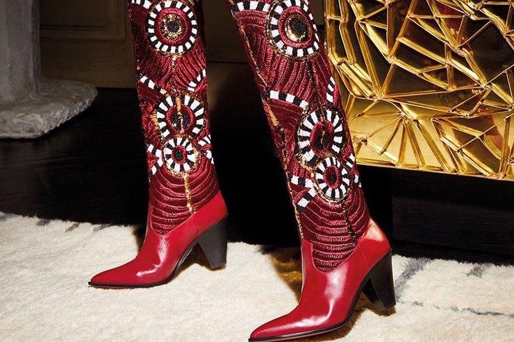 Красные сапоги — маст-хэв длясовременной царевны