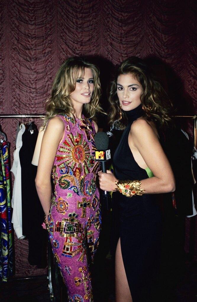 Клаудия Шифер за кулисами шоу Versace в 1991-м