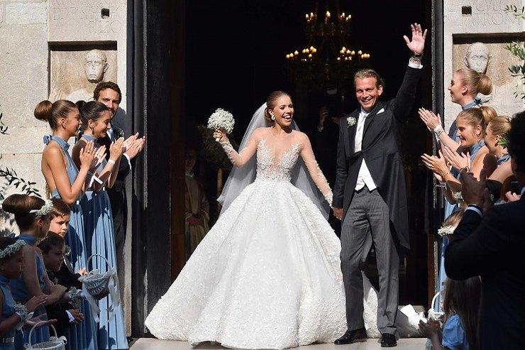 Наследница империи Swarovski вышла замуж вроскошном наряде за$900 тысяч