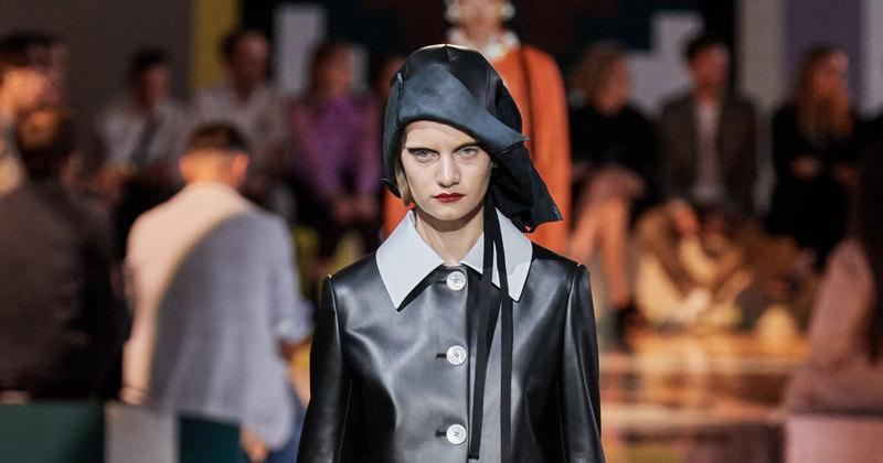 Неделя моды вМилане: оммаж Мэри Поппинс напоказе Prada весна-лето 2020