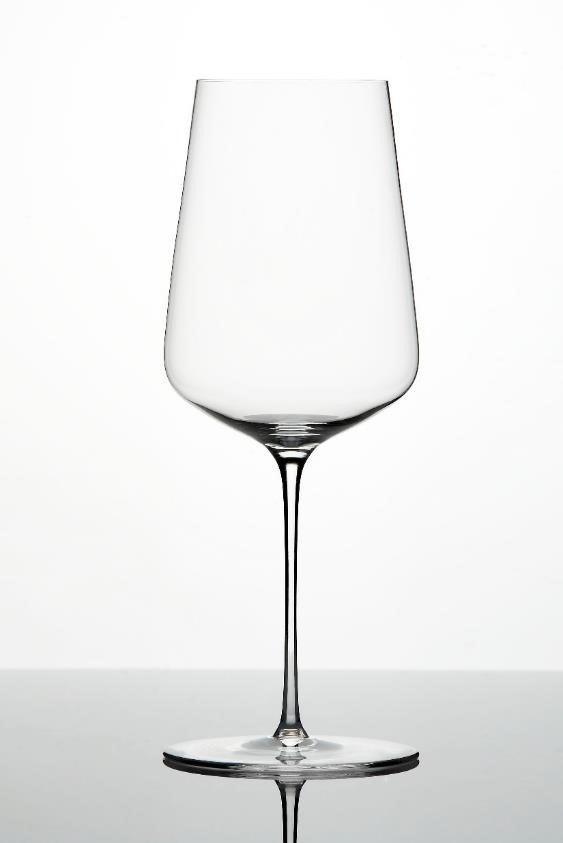 Бокал длябелого вина