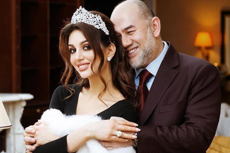 Оксана Воеводина потребовала уэкс-короля Малайзии свыше 8 млн фунтов стерлингов