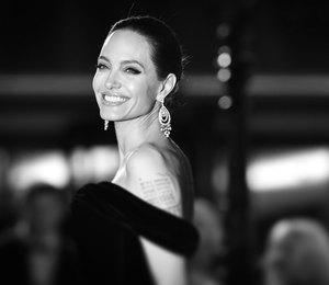 «Не думала, что у меня будут дети»: 7 цитат Анджелины Джоли о материнстве
