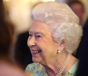 Есть еще порох: Елизавета II закатила вечеринку на 500 гостей