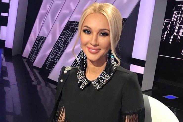 Лера Кудрявцева подалась впевицы иподшутила надОльгой Бузовой прямо со сцены