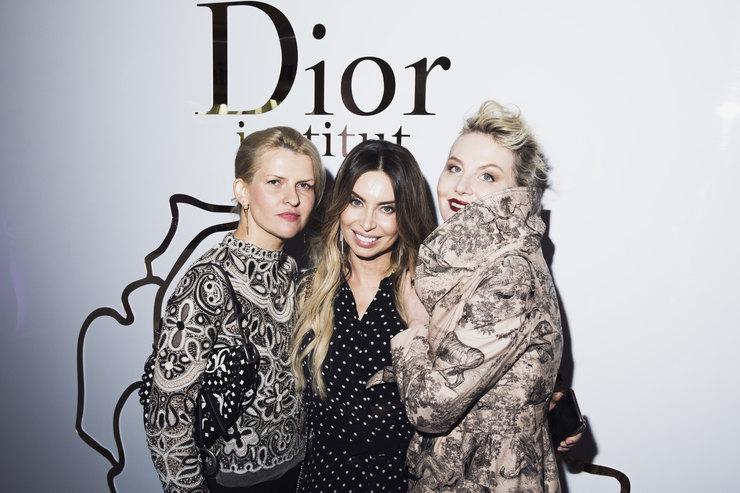 Рождественский коктейль винституте красоты Dior
