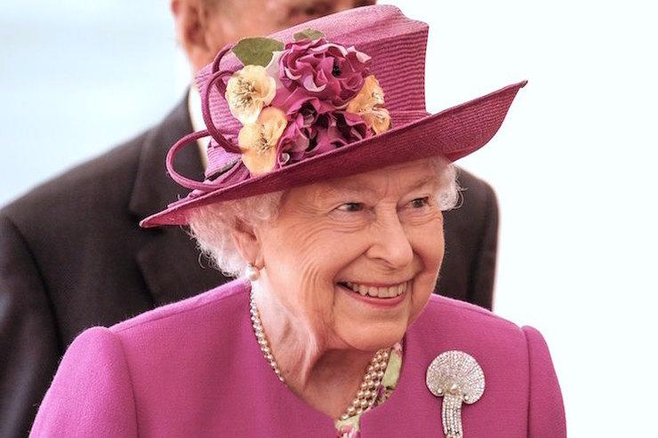 Представить только: королева Елизавета II выпивает вдень по4 коктейля