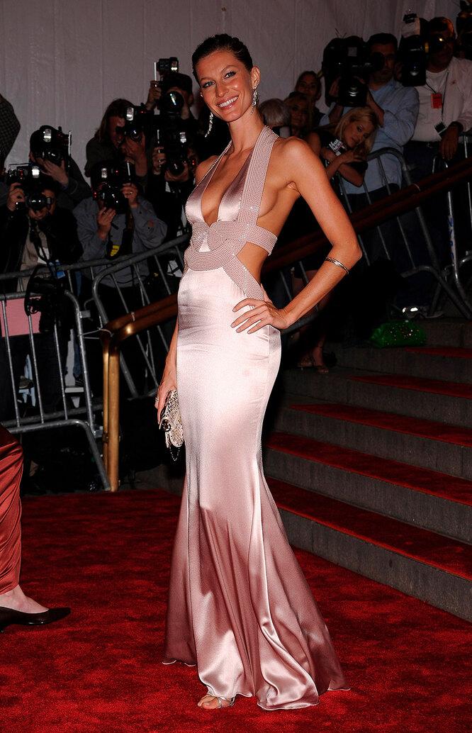 Жизель Бюндхен на  Costume Institute Gala, 2008