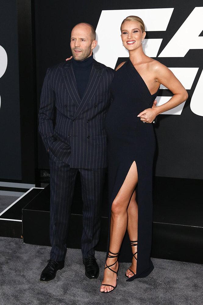 """Джейсон Стэйтем и Роузи Хантингтон-Уайтли на премьере фильма """"Форсаж 8"""" в 2017 году"""