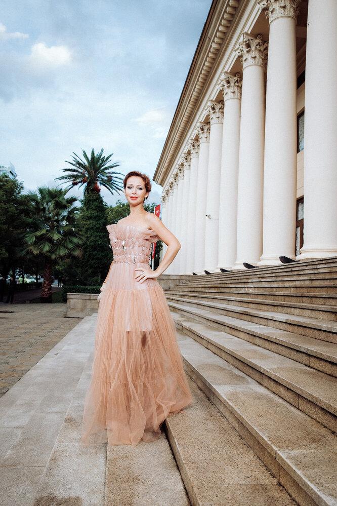 Елена Захарова (всерьгахMercury из коллекцииMiss Russiaиз белого золота с бриллиантами)