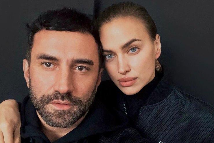 Ирина Шейк нежно обняла знаменитого модельера вПариже