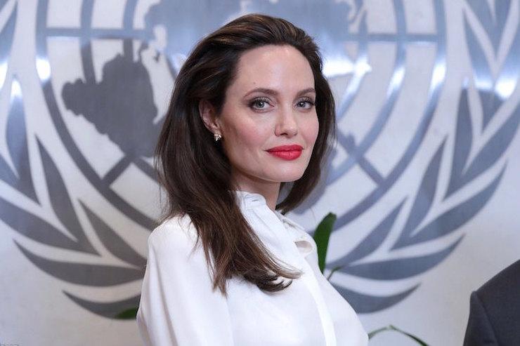 Анджелина Джоли пришла вярость, когда ведущая шоу спросила оразводе