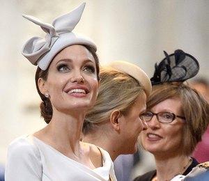 Grazia girl: Анджелина Джоли в элегантном платье Ralph&Russo в Лондоне
