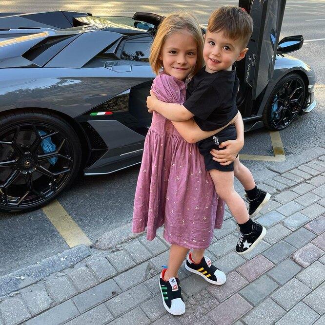 Алиса Юнусова с братом