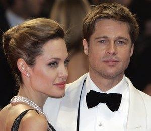 Белый флаг: Брэд Питт и Анджелина Джоли проведут рождество вместе ради детей