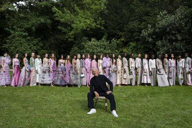 Голливудский шик: 66 сверкающих нарядов Armani, которые подойдут длялюбой красной дорожки
