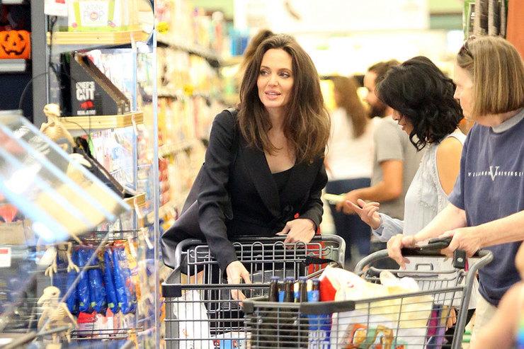 В супермаркет настиле: вчем звезды ходят запокупками