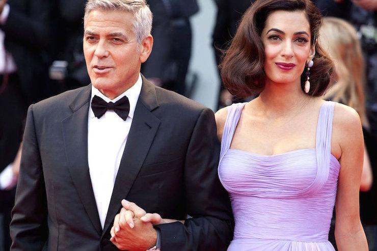 Амаль Клуни рассказала опервых словах двойняшек иоб отказе отвредных привычек