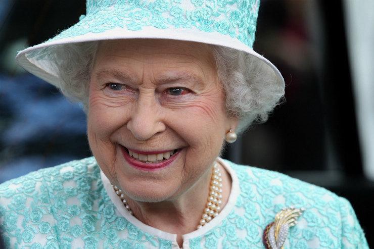 91-летняя Елизавета II отказалась откороны