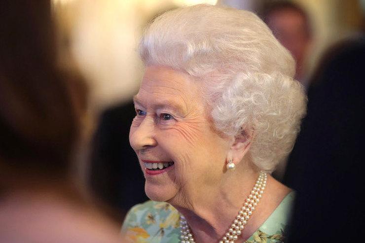 Есть еще порох: Елизавета II закатила вечеринку на500 гостей