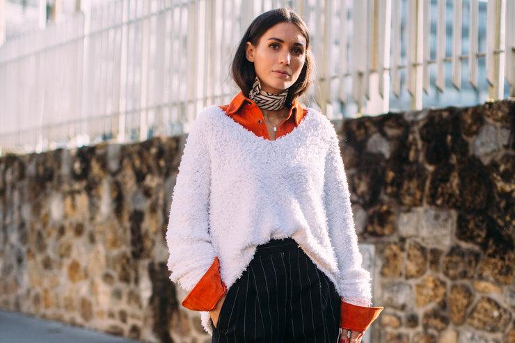«Растянутый» свитер — вещь, которая приживется влюбом гардеробе этой зимой