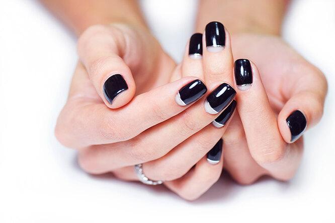 """""""Улыбка"""" у основания ногтя может быть любой формы"""