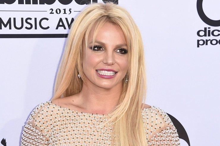 Стройная иподтянутая: Бритни Спирс показала фото воткровенном бикини