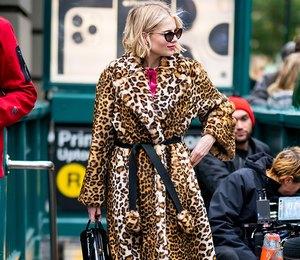 Составляем небанальные образы с банальным леопардовым пальто