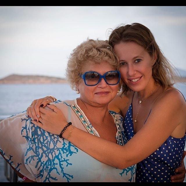 Мама Ксении Собчак вбольнице
