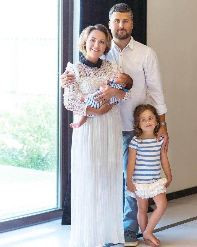 Татьяна Морозова с мужем и детьми