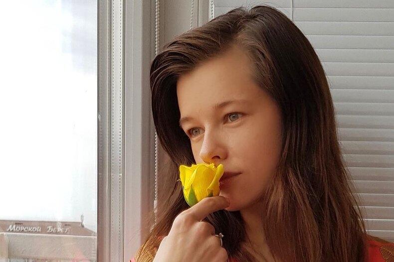 «И нехочется пока никаких платьев ишпилек»: Катерина Шпица рассказала освоем базовом гардеробе впериод самоизоляции