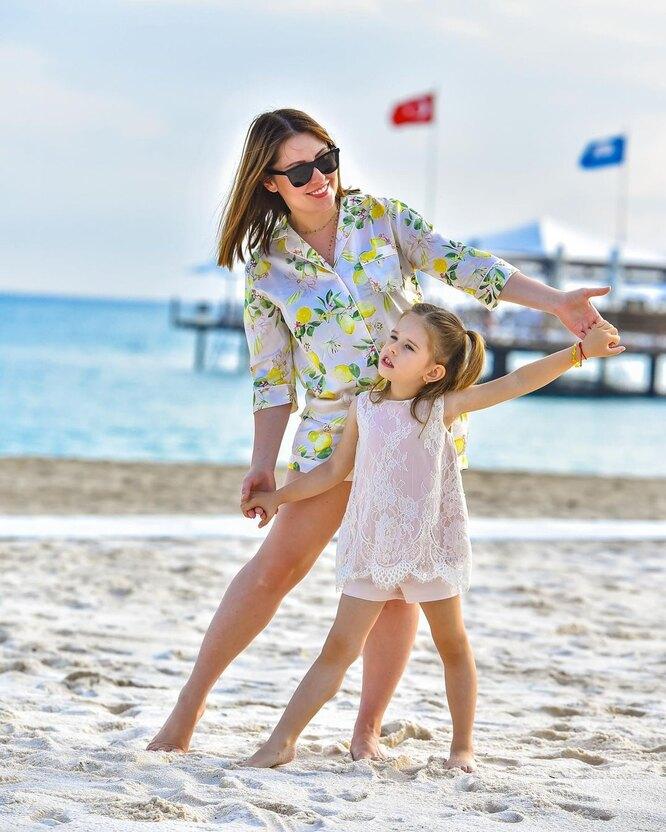 Мария Кравченко с дочкой
