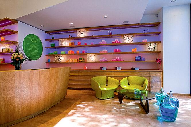 Магазины Weleda даже выглядят «экологично»!