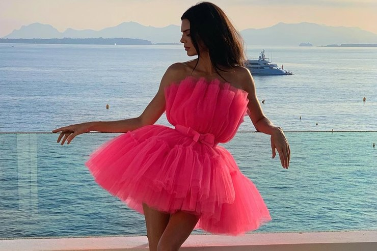 Кендалл Дженнер показала платье изколлаборации H&M x Giambattista Valli
