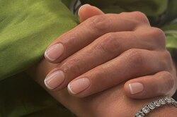 Думать окрасе ногтей! Как сохранить маникюр навесь отпуск