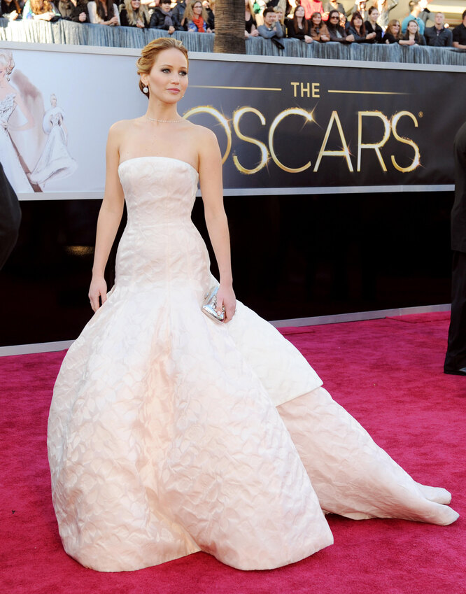 Дженнифер Лоуренс на церемонии вручения премии «Оскар» 2013