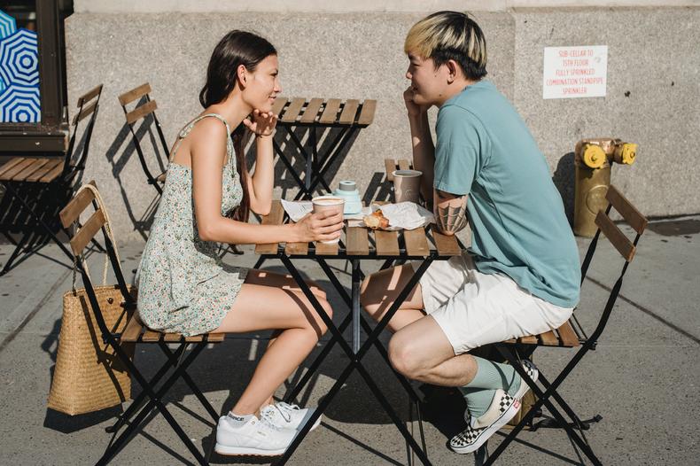Как распознать токсичного человека спервого сообщения ине попасться накрючок абьюзивных отношений?