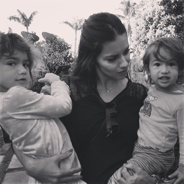 instagram.com/adrianalima