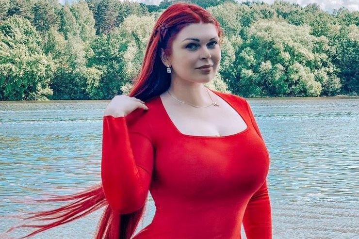 Модель plus-size Юлия Рыбакова решилась науменьшение груди