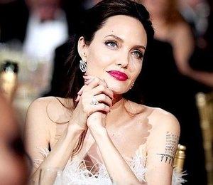 Как Анджелина Джоли собирается встречать Новый год?