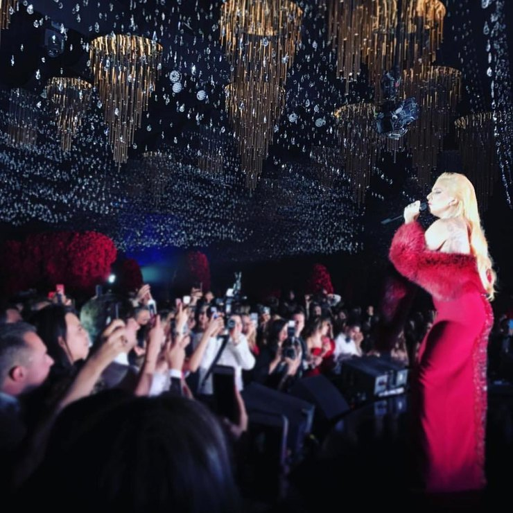Леди Гага насвадьбе Гаспара иЛолиты